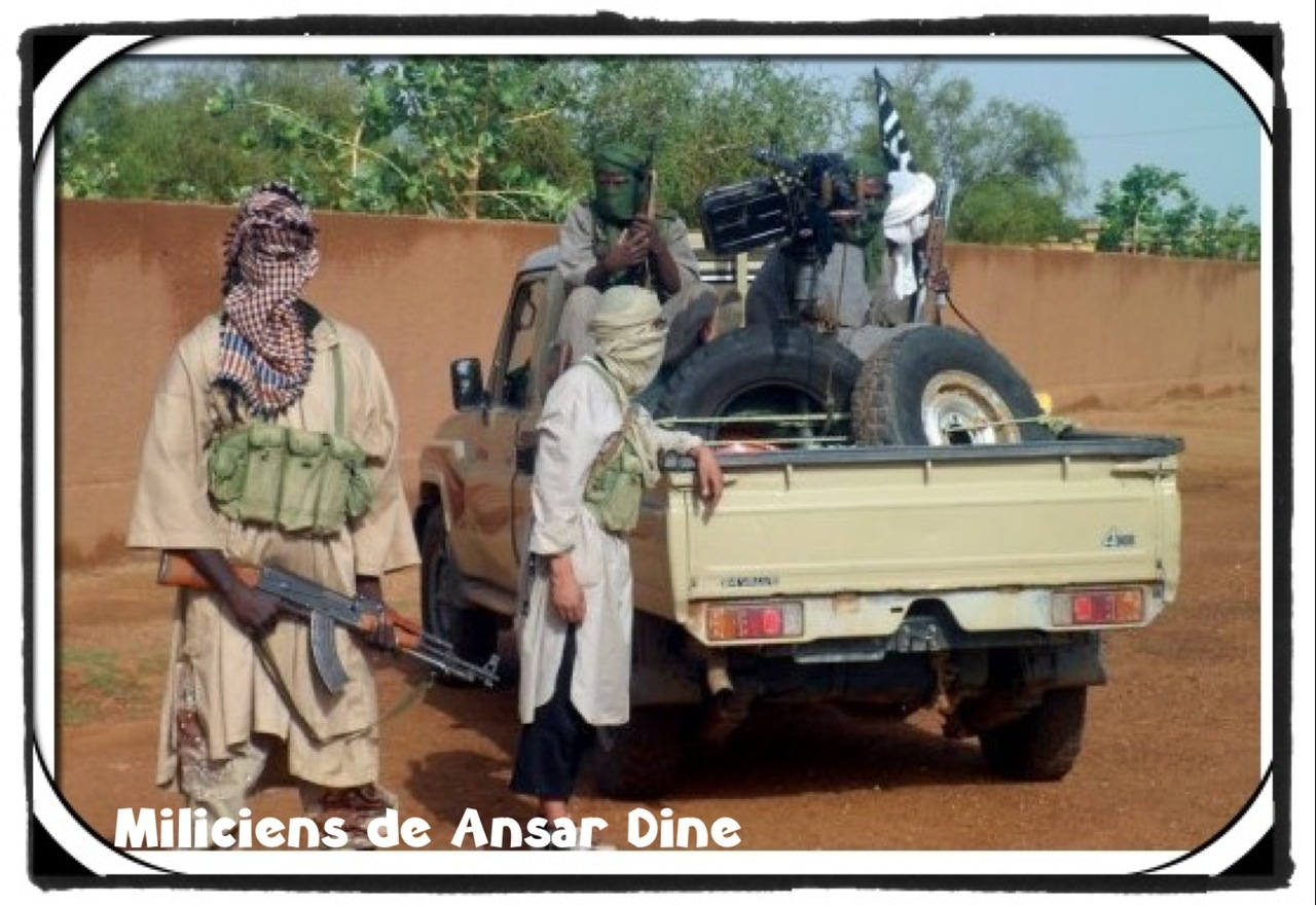 voir le zoom : Des combattants du groupe islamiste Ansar Dine à Kidal, le 7 août 2012 dans le nord du Mali