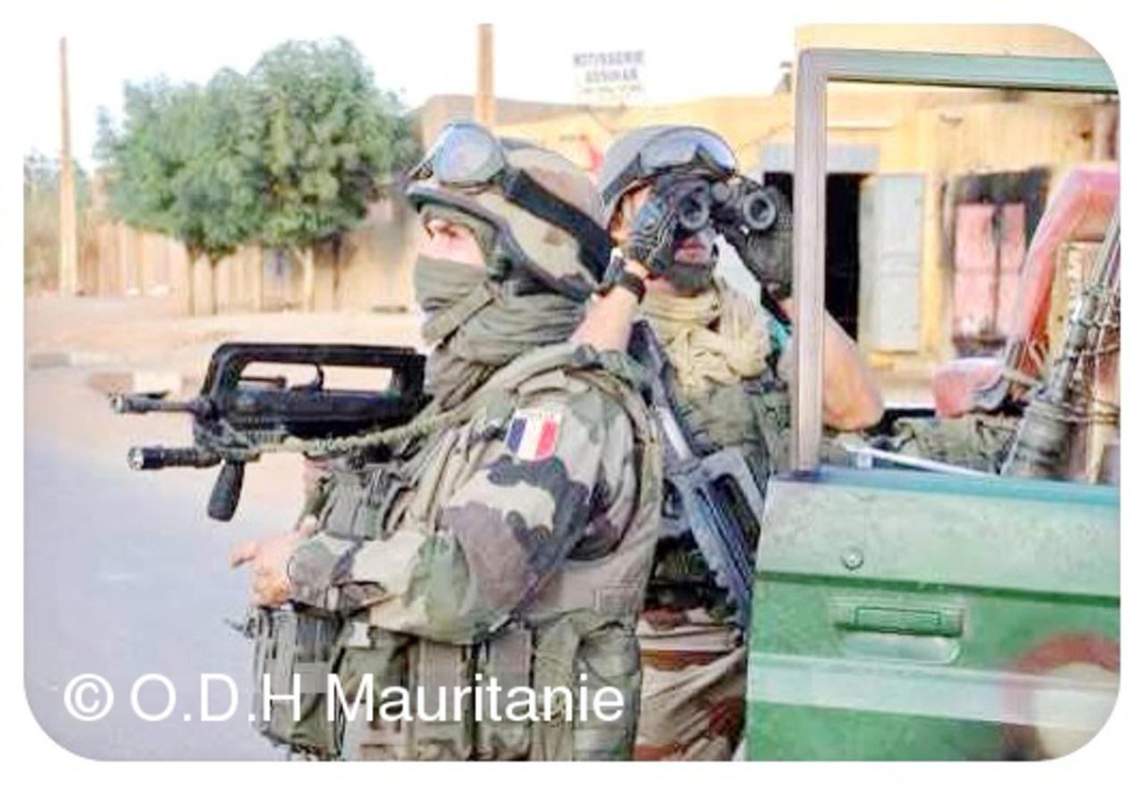 voir le zoom : Des soldats français, le 10 février 2013 à Gao, dans le nord du Mali