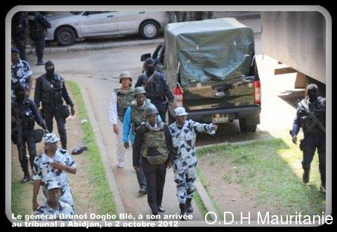 voir le zoom : Le général Brunot Dogbo Blé, à son arrivée au tribunal à Abidjan, le 2 octobre 2012