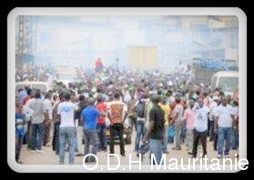 voir le zoom : Des manifestants contre le président Ali Bongo, à Libreville le 15 août 2012
