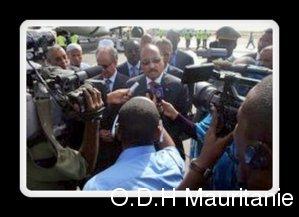 voir le zoom : Le président mauritanien Mohamed Ould Abdel Aziz le 12 septembre 2012 à l'aéroport de Nouakchott